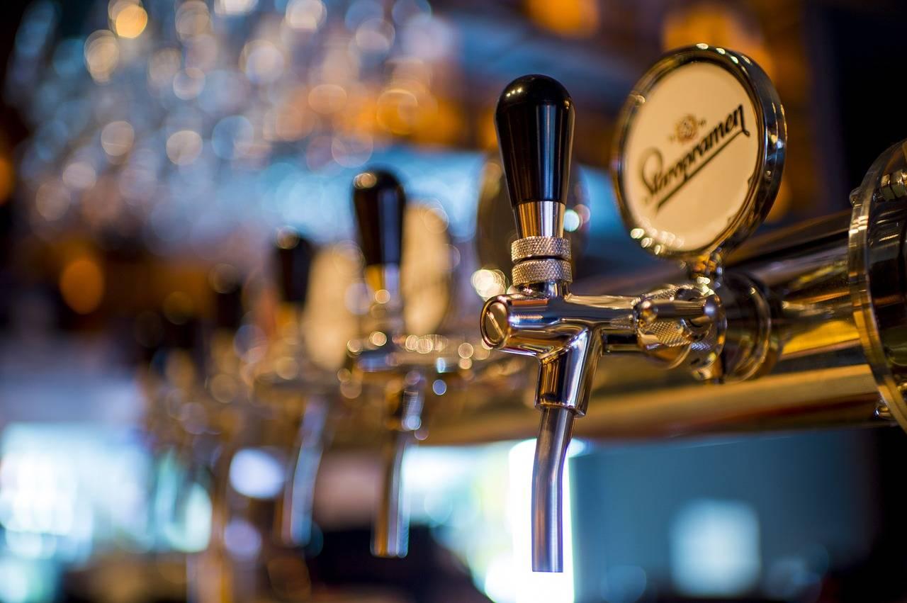 bus charter melbourne rent service cheap price hire driver Dominique Portet Winery Oakridge Coldstream Tarrawarra Adelphi Crown Towers Park Hyatt LanghamThe Blackman
